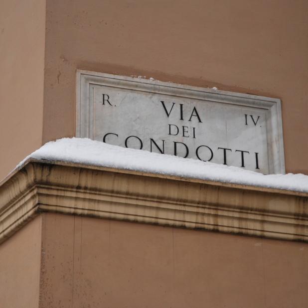 Roma - via dei Condotti (2012)