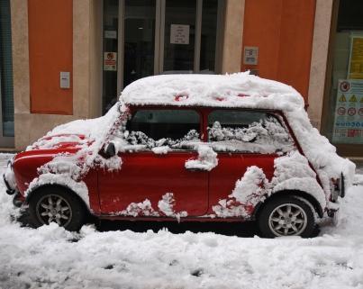 Roma - Mini rossa in via del Tritone (2012)