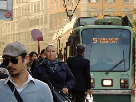 Roma - filobus in Piazza Vittorio